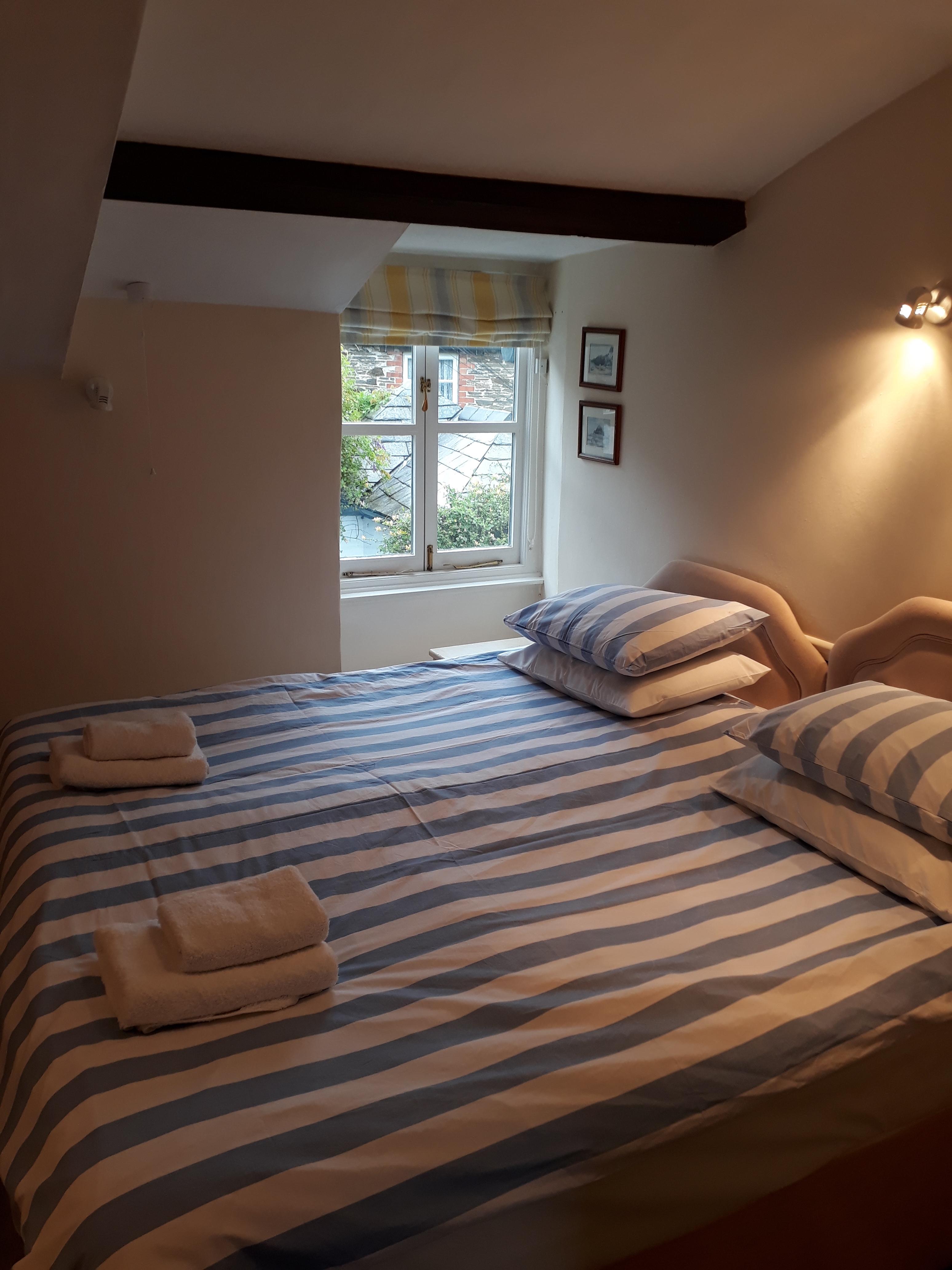 Back-bedroom1
